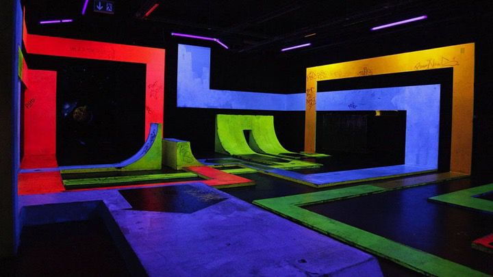 Colourful art and light installation in Berlin with resemblance to sports and the skate scene and experience.